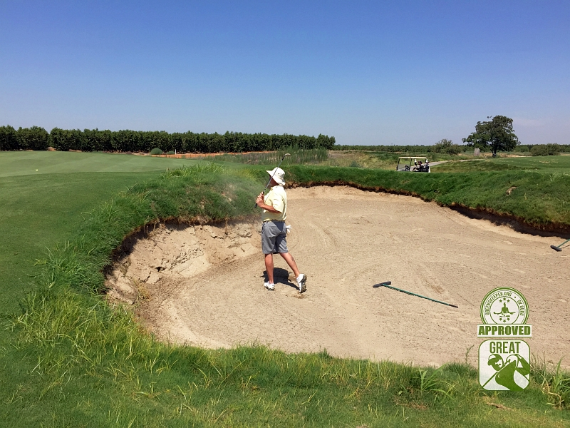 Ridge Creek Dinuba Golf Club Dinuba California - Hole 5 Tate blasts out of the bunker